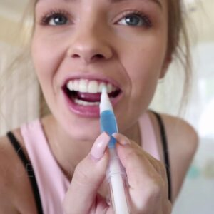 TAS National Finalist Brooke Rogers - Video Challenge #7 Snow Teeth Whitening Routine