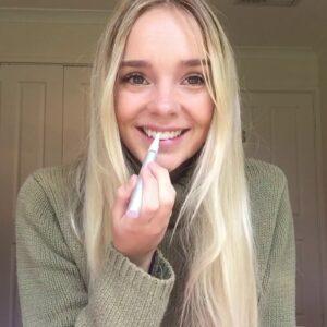 WA National Finalist Remi Lane - Video Challenge #7 Snow Teeth Whitening Routine